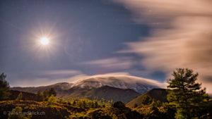 Etna mit Vollmond